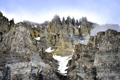 <h5>Arctic Bay Cliffs D4S6945</h5>