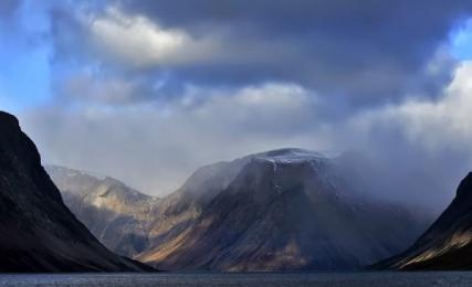 <h5>Nachvak-Fjord-Labrador-VII6715</h5>