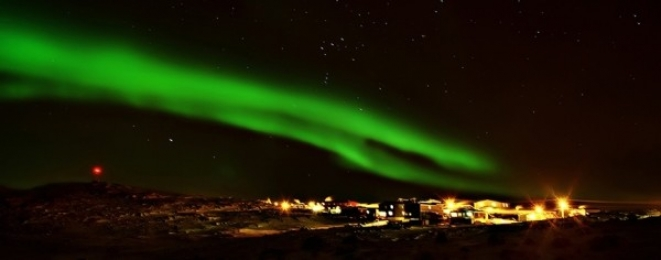 <h5>Northern-Lights-over-Apex-Nunavut</h5>