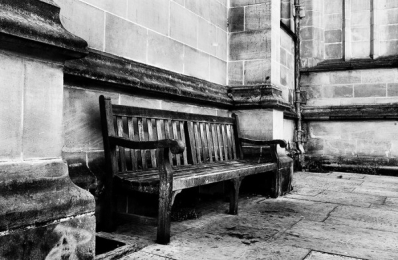 <h5>Stratford-England-Bench</h5>