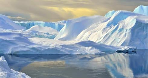 <h5>Ilulissat-Greenland-VAL7157</h5>