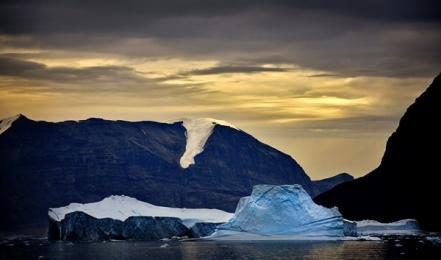 <h5>Karrat-Fjord-Greenland-D801071</h5>