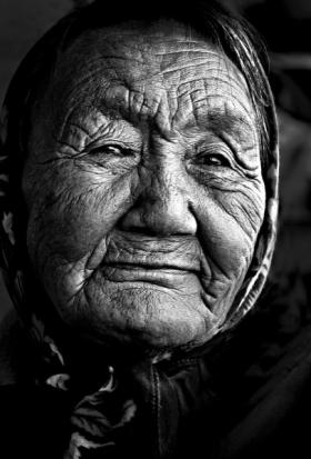 <h5>Inuk-Woman-59888-Arviat-Nunavut</h5>