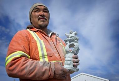 <h5>Inuit-Artist-DSC4398</h5>
