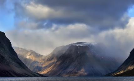 <h5>Nachvak Fjord, Labrador </h5>