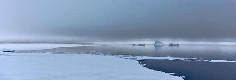 <h5>Pond Inlet Floe Edge_D828407 </h5>